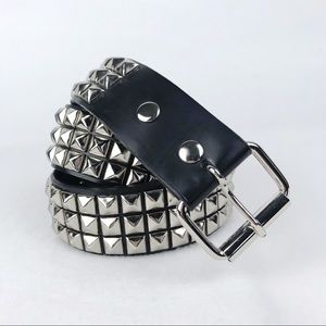Hot Topic | Size 38 Silver Studded Belt